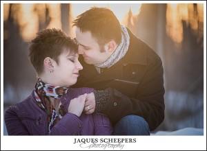 winter-engagement-photo